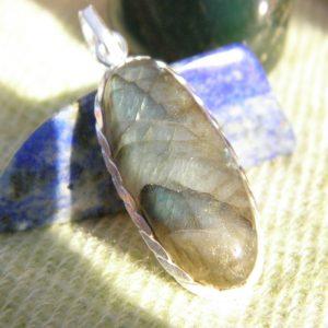 Pendentif en argent massif 925 avec une pierre améthyste PEA09