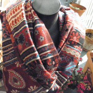 Châle à motifs en laine de yak 7
