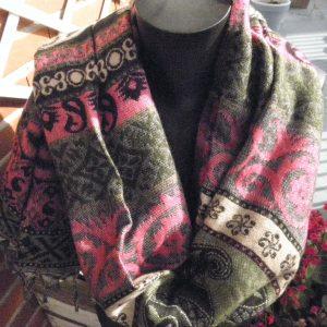 Châle à motifs en laine de yak 13