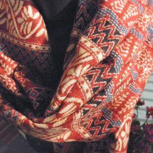 Châle à motifs en laine de yak 10