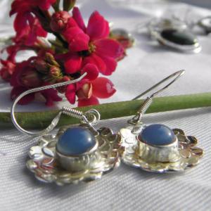 Boucles d'oreilles en argent 925 et calcédoine bleue