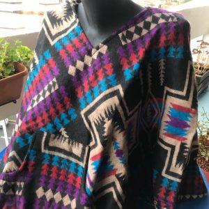 Poncho en laine de yak 1